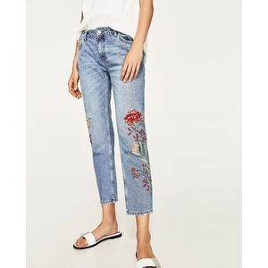 Zara Embroidered Floral Jeans Size 10